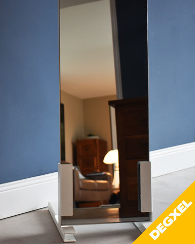 Free standing mobile infrared mirror heater